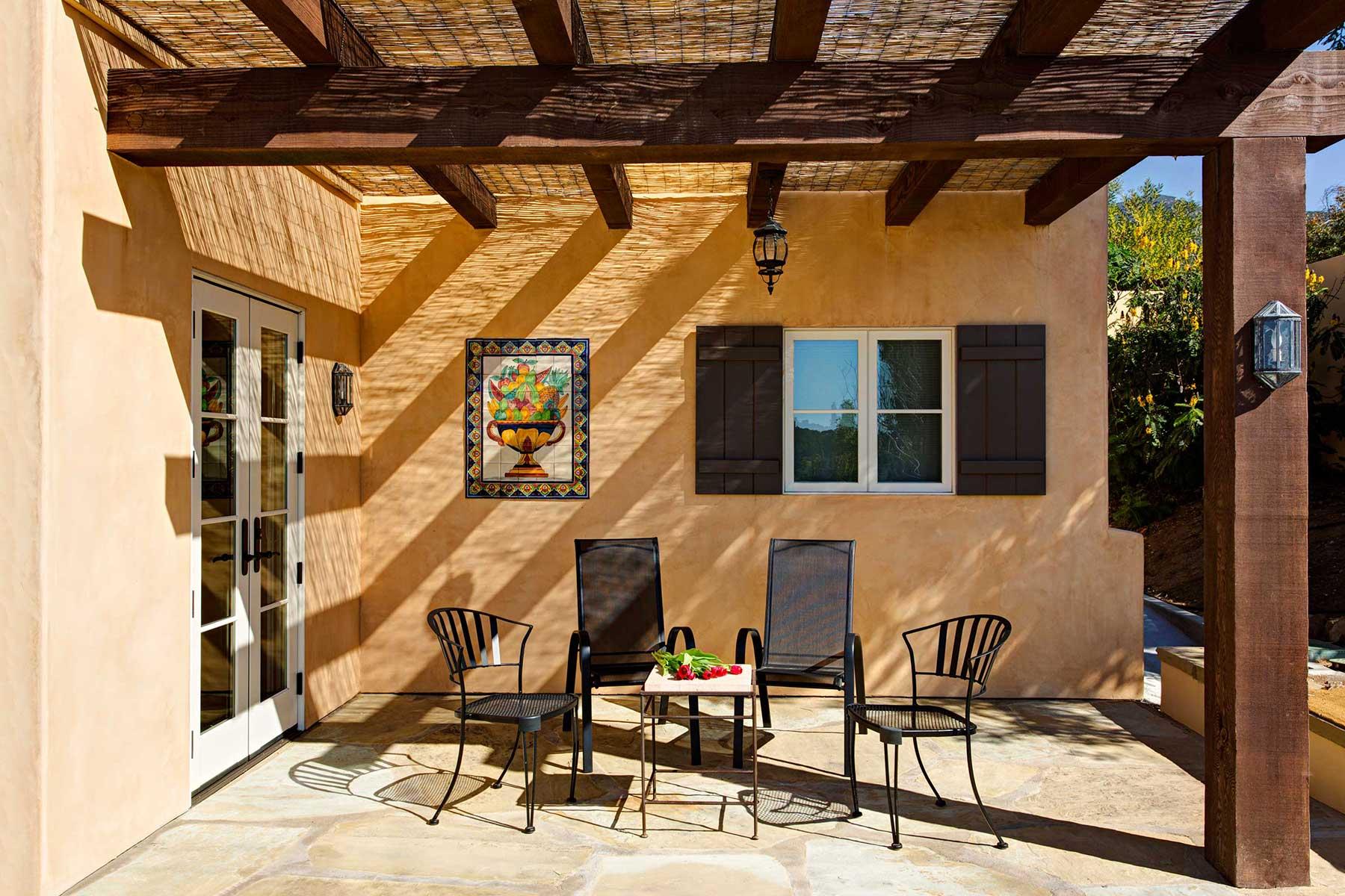 Gordobe_Homes_Coyote-Rd-exterior_patio